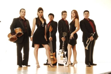 Contact Locolobo to book Caliente Band