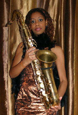 SandraGrantLadySaxophonist