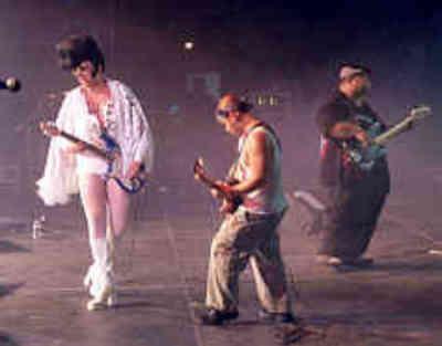 Shelvis The She-Elvis